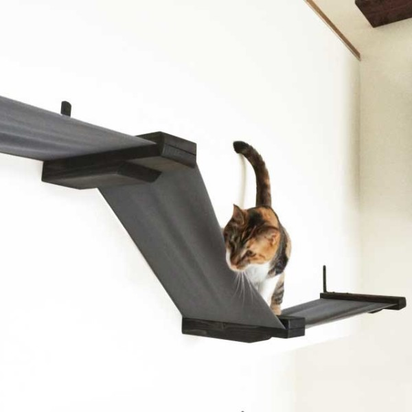 large-stretched-fabric-raceway-cat-lounge-6