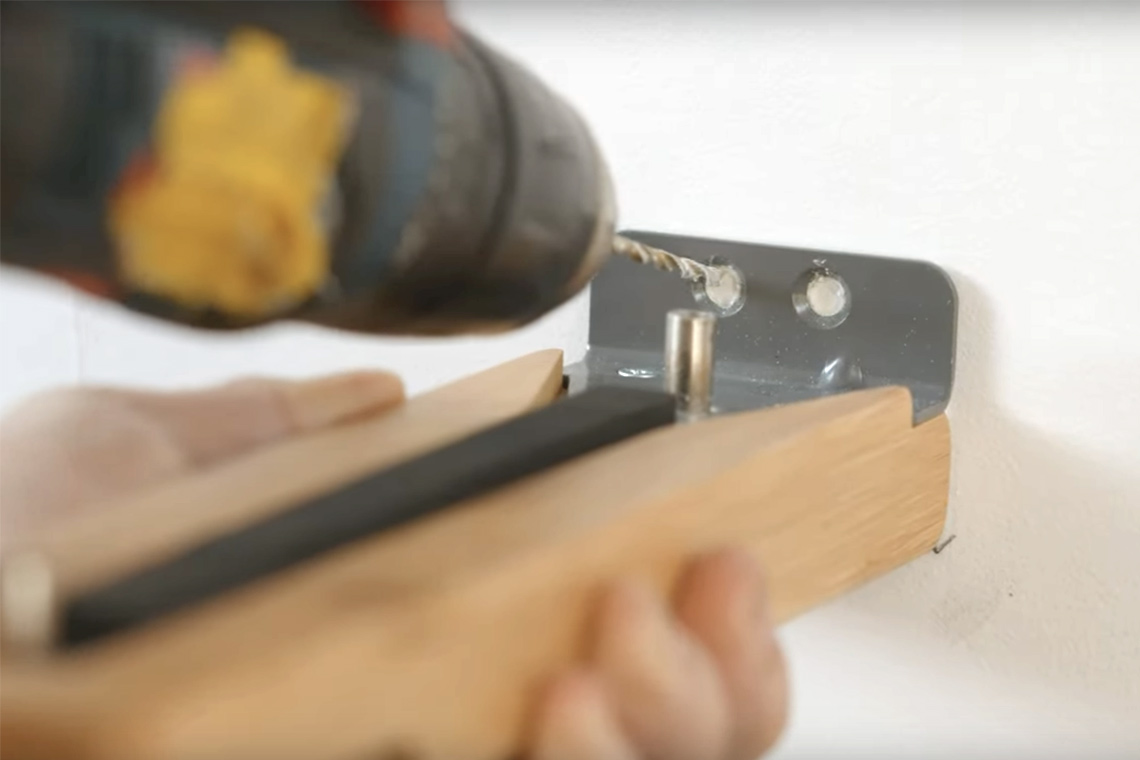 Mounting plank